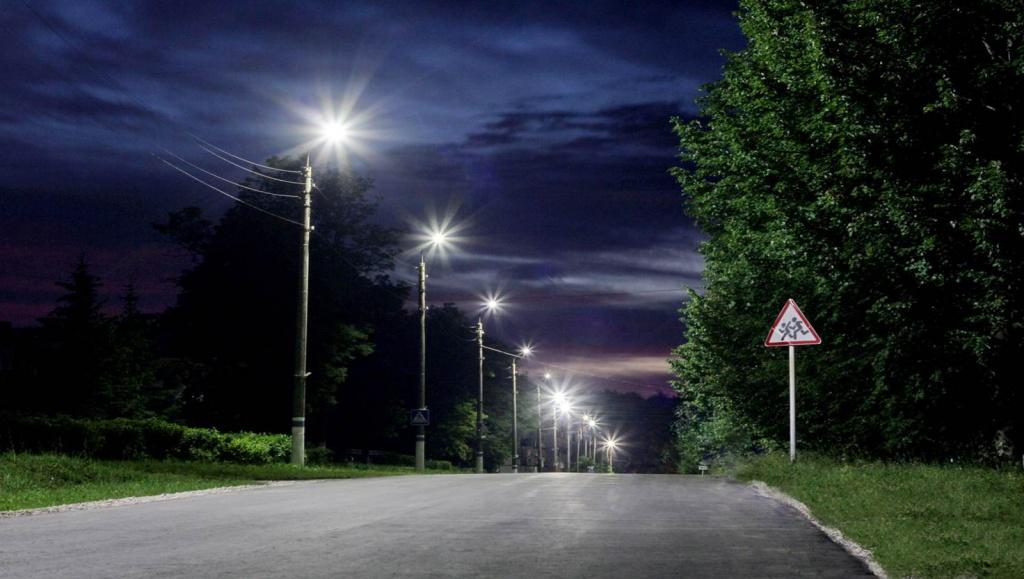 Улица города Мещовск до модернизации систем освещения